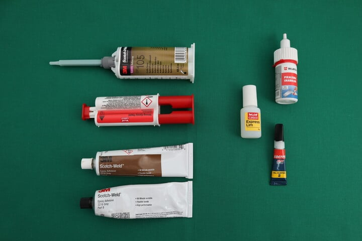 Different applicators for epoxy and super glue (cyanoacrylate)